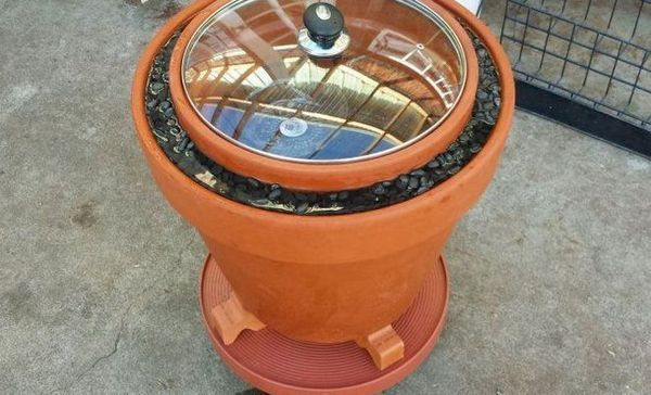 Vyrábame chladničku na podávanie z hlinených kvetináčov