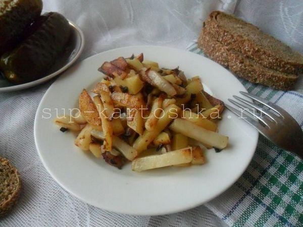 Cartofi prăjiți cu ceapă